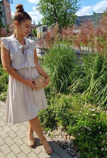 Sukienka Marii Piaskowa